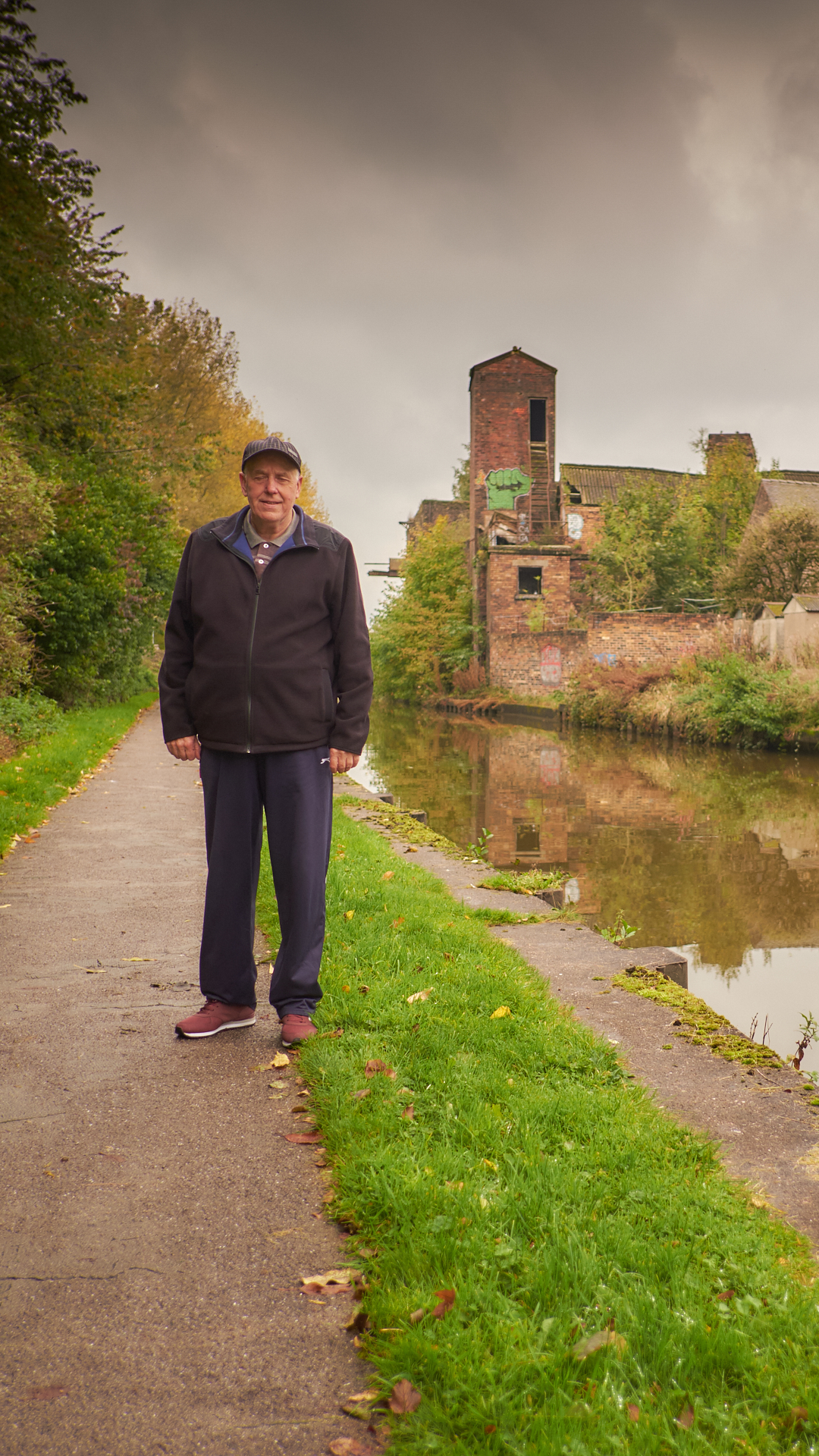 Trent and Mersey Canal, Middleport - Oct 2017 - Michael