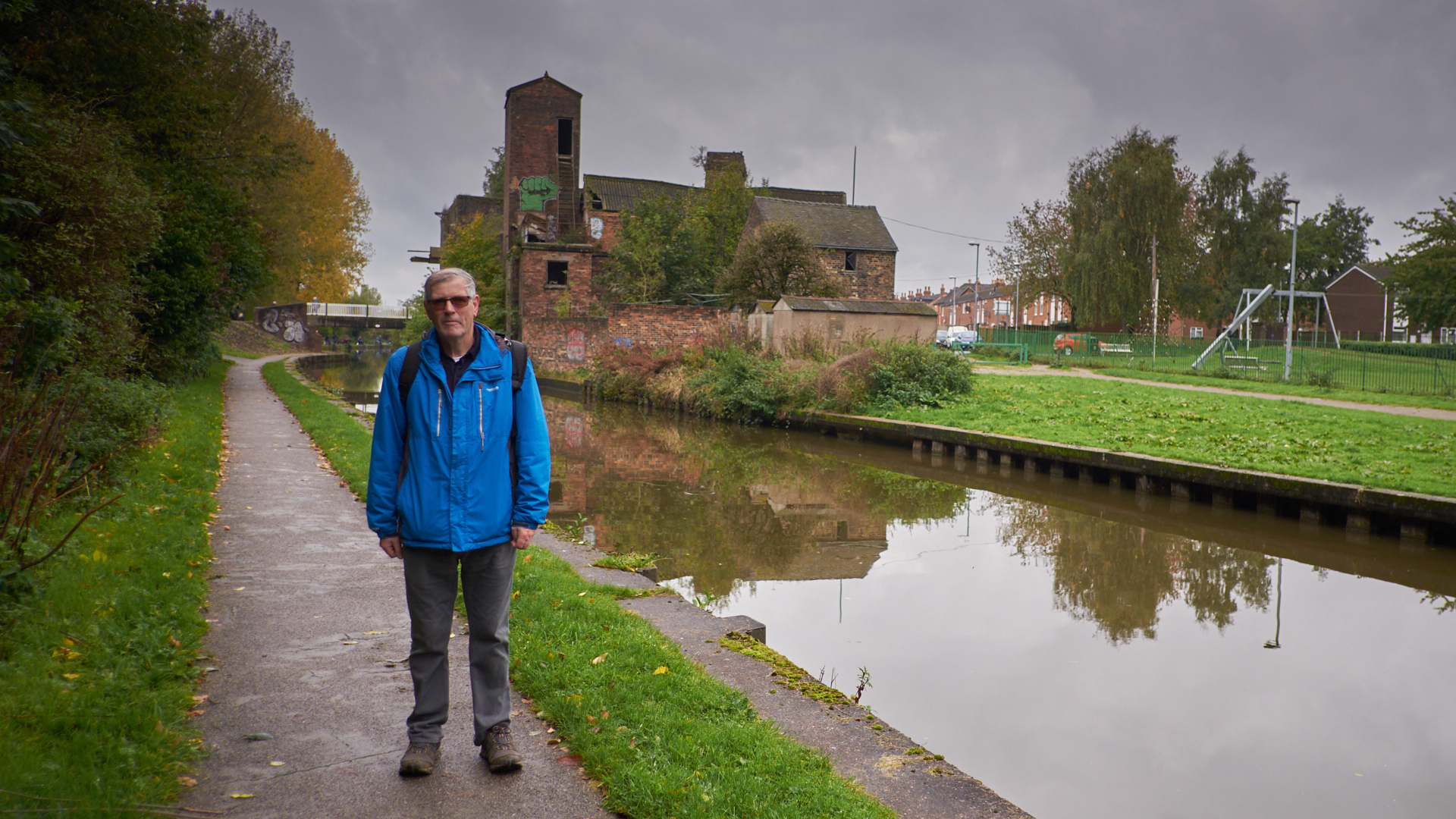 Trent and Mersey Canal, Middleport - Oct 2017 - Andy
